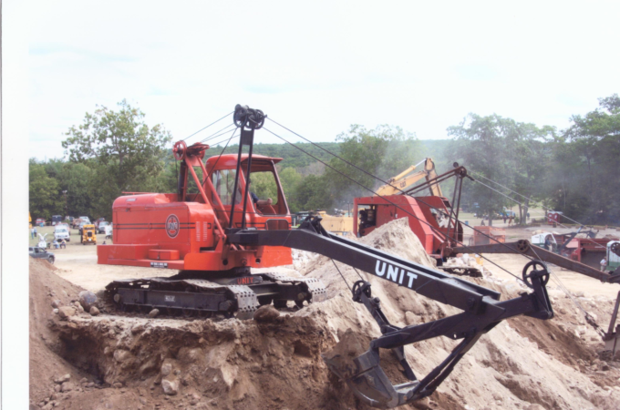 """This 1958 Unit Cable Backhoe Still """"Runs Good"""" After 7-Year Restoration"""