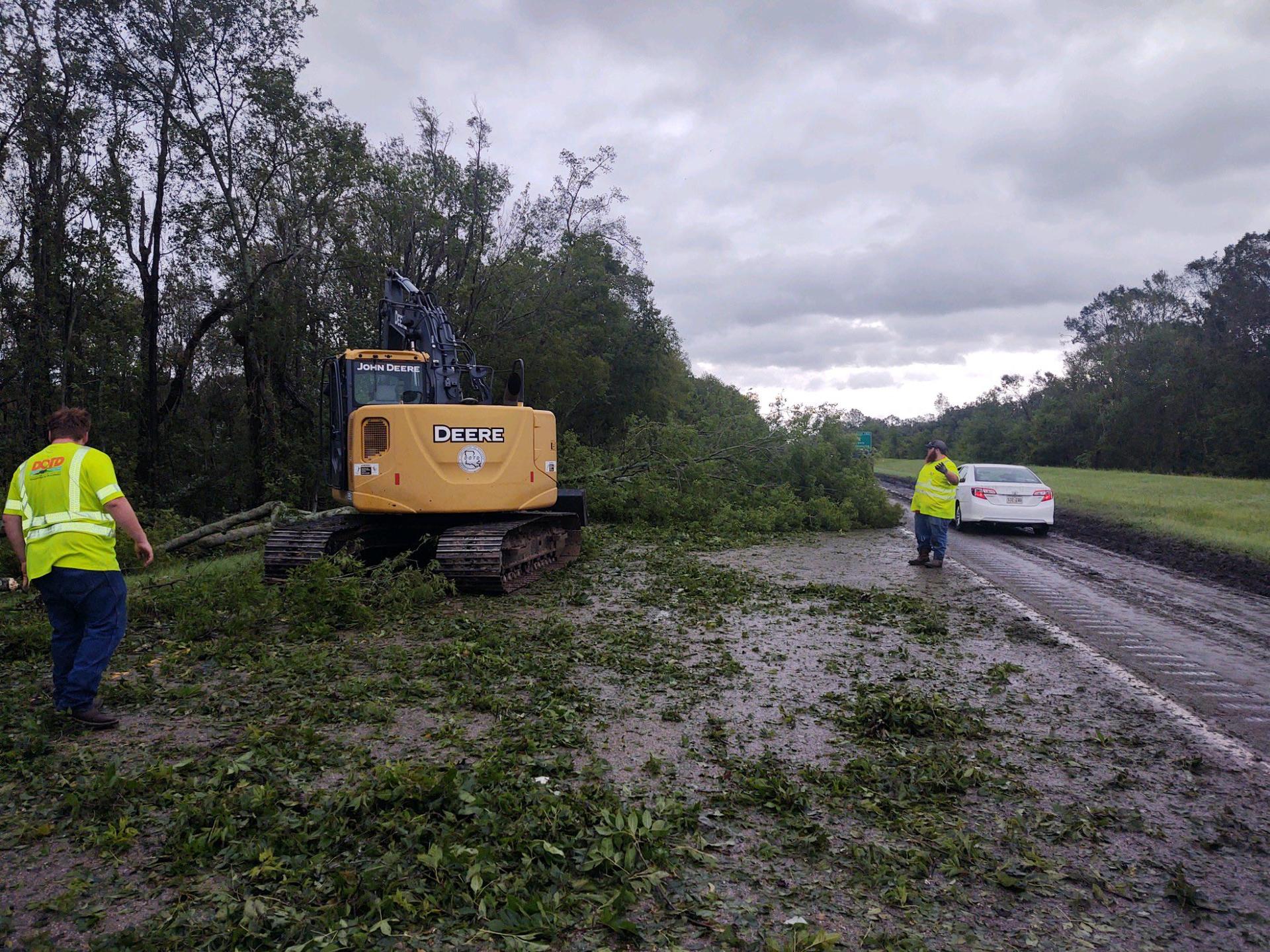 Hurricane Ida clearing debris I-10